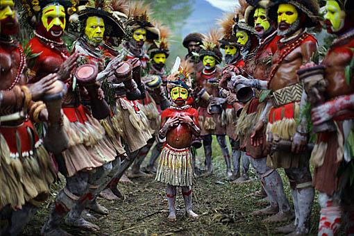 Huli dance - Copyright Timothy Allen