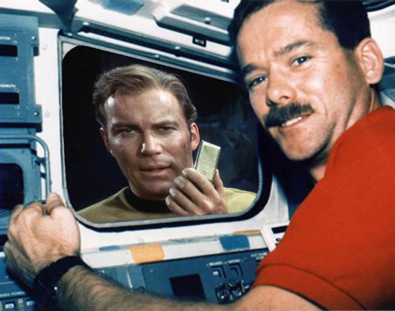 william-shatner-tweets-astronaut-chris-hadfield